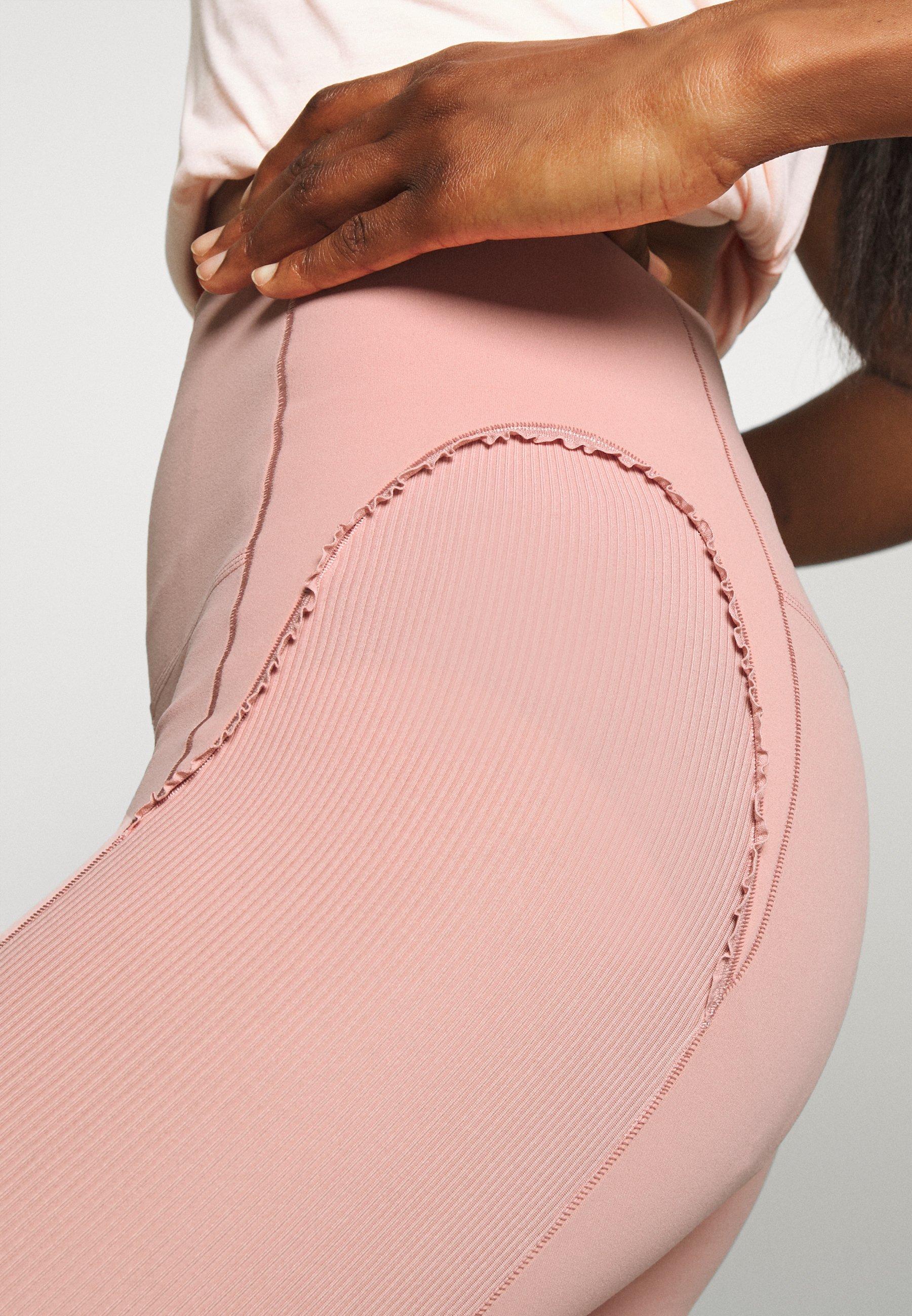 Nike Performance YOGA 7/8 - Leggings - rust pink/beige YH9Go