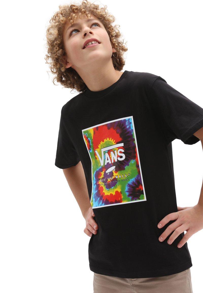 Vans - BY PRINT BOX BOYS - T-shirt med print - black/spiral tie dye