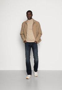 Selected Homme - SLHTOWER ROLL NECK  - Stickad tröja - tuffet/melange - 1