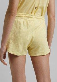 edc by Esprit - Shorts - light yellow - 7