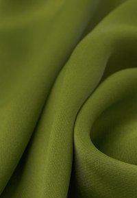 IVY & OAK - MIT BINDESCHLEIFE - Maxi dress - irish green - 6