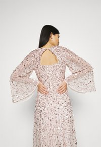 Maya Deluxe - ALL OVER 3D EMBELLISHED DRESS WITH BELL SLEEVE - Iltapuku - pearl pink - 4