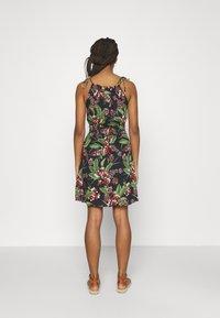 Pieces - PCMANURA STRAP DRESS - Sukienka letnia - black - 2