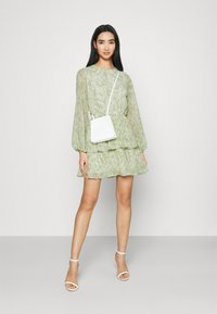Gina Tricot - AMBER PLEATED DRESS - Day dress - green - 1