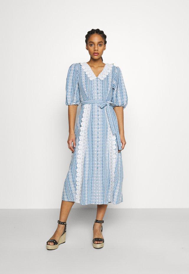 RAVIANA - Długa sukienka - bleu clair