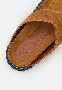 Joseph - FUSSBETT THONG  - T-bar sandals - rust/copper - 6
