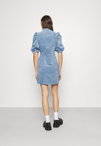 Cras - ANNIECRAS DRESS - Sukienka letnia - faded denim - 2