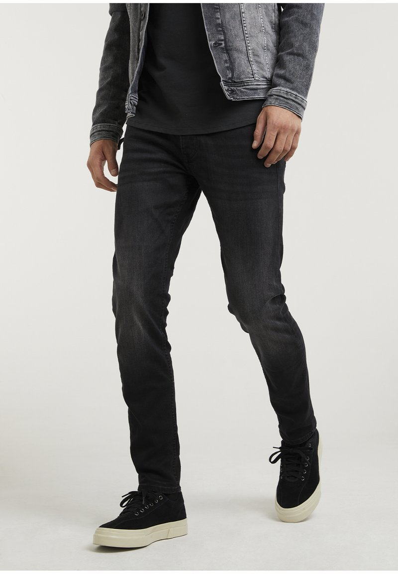 CHASIN' - CROWN RIX - Jeans Tapered Fit - black