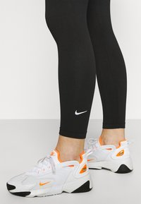 Nike Sportswear - Leggings - Hosen - black/white - 3