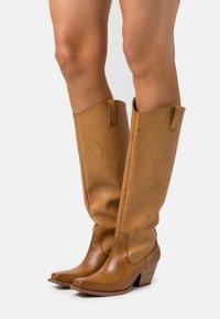 Monki - ROXY BOOT VEGAN - Cowboy/Biker boots - beige - 0