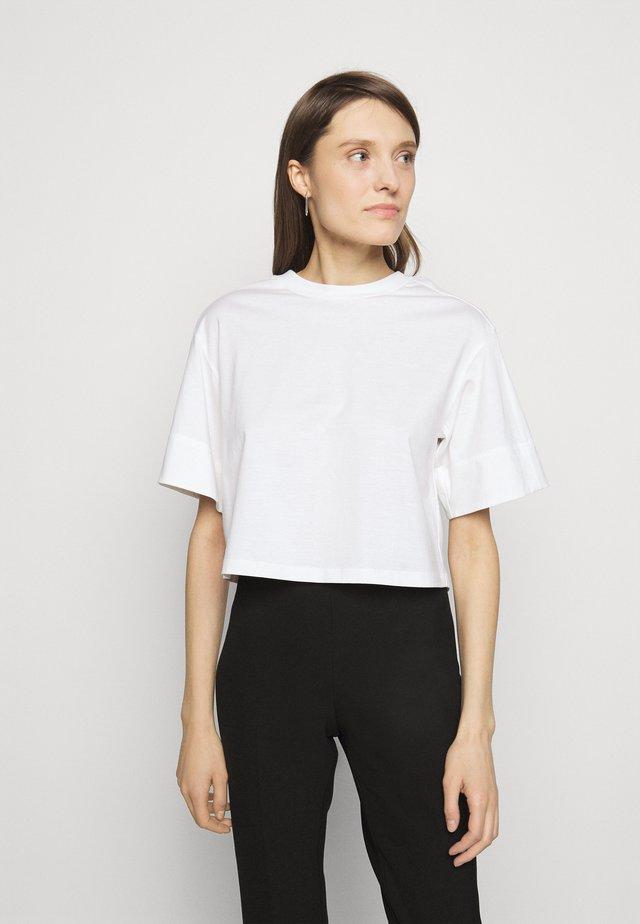 BOXY - Basic T-shirt - offwhite