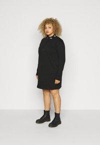 Calvin Klein Jeans Plus - LOGO TRIM - Vestito estivo - black - 1