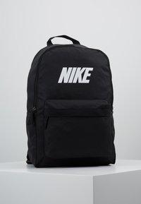 Nike Sportswear - HERITAGE  - Reppu - black - 0