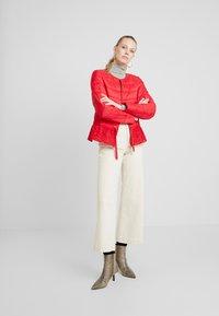Cream - ADELLA QUILTED JACKET - Lehká bunda - red velvet - 1