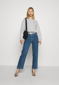 Levi's® - STANDARD CREW - Bluza - smokestack heather