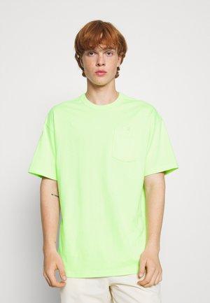 TEE POCKET - T-shirt basic - liquid lime
