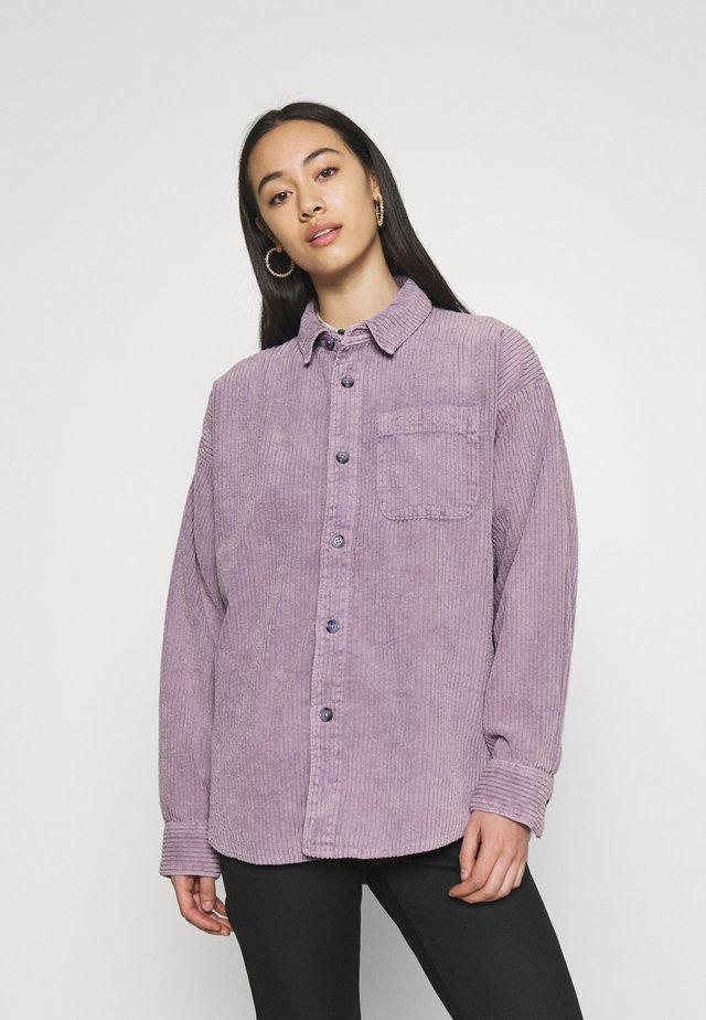 JUMBO SHACKET - Short coat - lilac