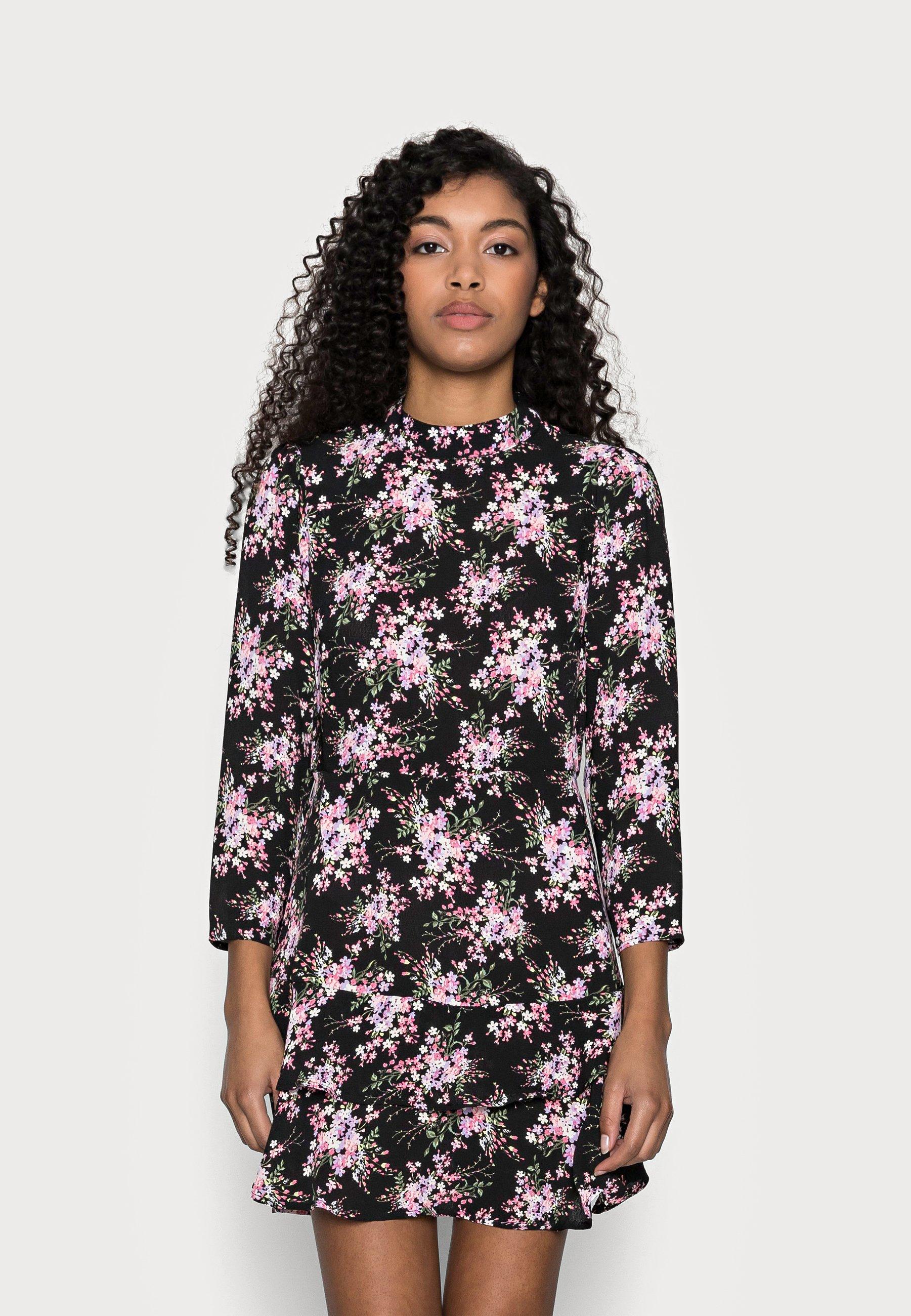 Mujer MINI TIERRED HIGH NECK DRESS - Vestido informal