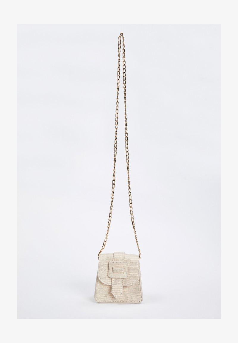 DeFacto - Across body bag - white