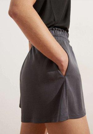 Shortsit - dark grey
