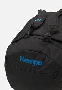 Kempa - LINE PRO BAG EDITION UNISEX - Urheilukassi - schwarz/kempablau - 4