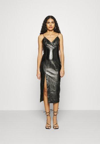 THE PHANTOM DRESS - Shift dress - black