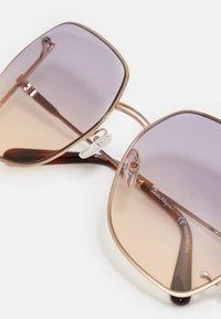 Salvatore Ferragamo - Sluneční brýle - rose gold-coloured/violet rose - 4
