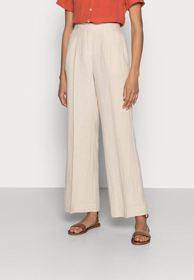 Pantalon classique - summer taupe