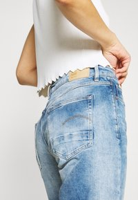 G-Star - KATE BOYFRIEND - Jeans relaxed fit - indigo aged - 5