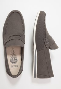 Burton Menswear London - FLETCH LOAFER - Nazouvací boty - grey - 1