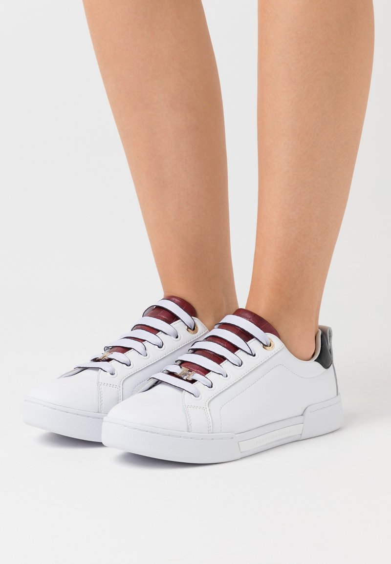 Tommy Hilfiger - BRANDED OUTSOLE  - Trainers - white