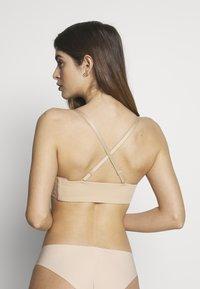 Calvin Klein Underwear - STRAPLESS CAPSULE - Reggiseno con spalline regolabili - bare - 4