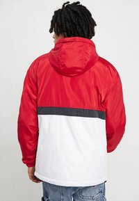 Tommy Jeans - COLORBLOCK POPOVER - Light jacket - red - 2