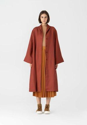 Classic coat - tilered