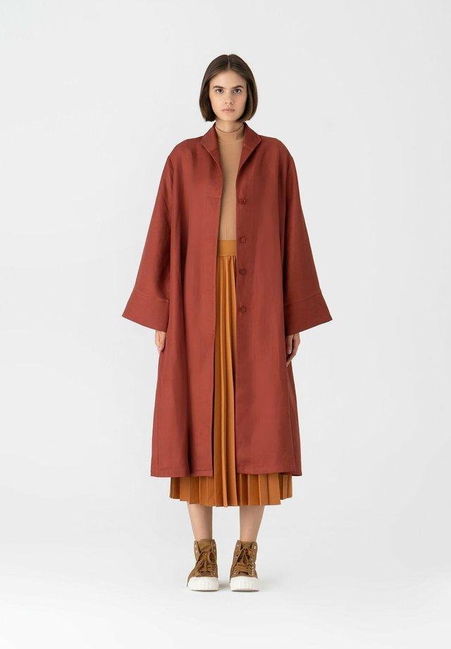 Manteau classique - tilered