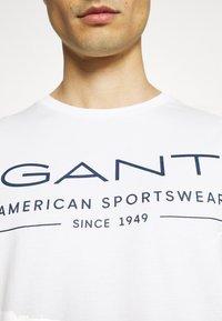 GANT - SUMMER - T-shirt med print - eggshell - 5