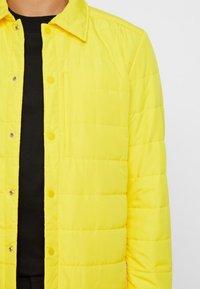 J.LINDEBERG - DOLPH GRAVITY  - Light jacket - sun yellow - 4