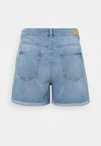ONLY Carmakoma - CARFREYA LIFE - Shorts di jeans - light blue denim - 1