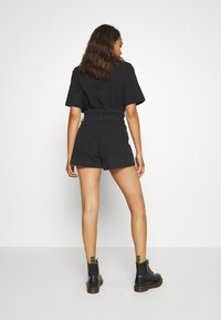 Weekday - CALVALRY - Shorts di jeans - tuned black - 2