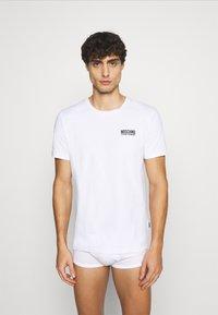 Moschino Underwear - Pyjama top - white - 0