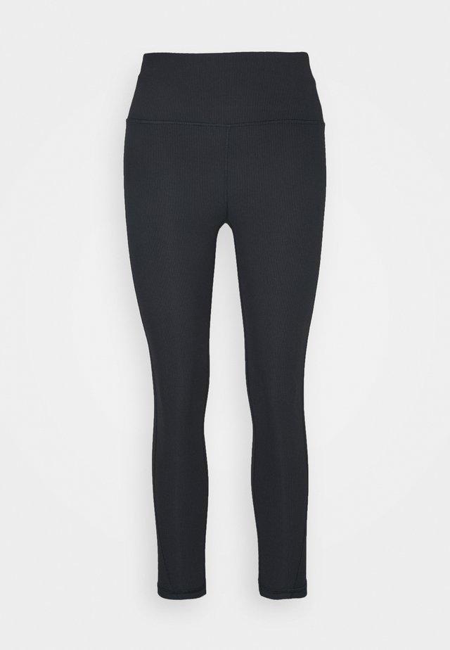 BLACKOUT ANKLE PANT - Collant - true black