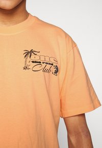 Edwin - ONE THE ROAD - T-shirt con stampa - cantaloupe - 4