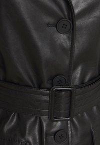 Karl Kani - RETRO - Trenchcoat - black - 7