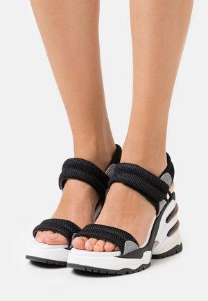 COSMOS - Korkeakorkoiset sandaalit - black/silver