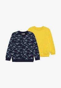 Zalando Essentials Kids - 2 PACK - Sweatshirts - waxed yellow/peacoat - 4