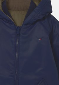 Tommy Hilfiger - REVERSIBLE  - Winter jacket - twilight navy/olive - 3