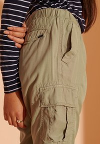 Superdry - Cargo trousers - dark olive - 2