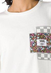 Vans - WM VANS MADE WITH LIBERTY FABRIC LS TEE - Long sleeved top - (liberty fabric) mrshmllw - 2