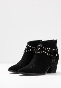Bibi Lou Wide Fit - Ankle boots - black - 4