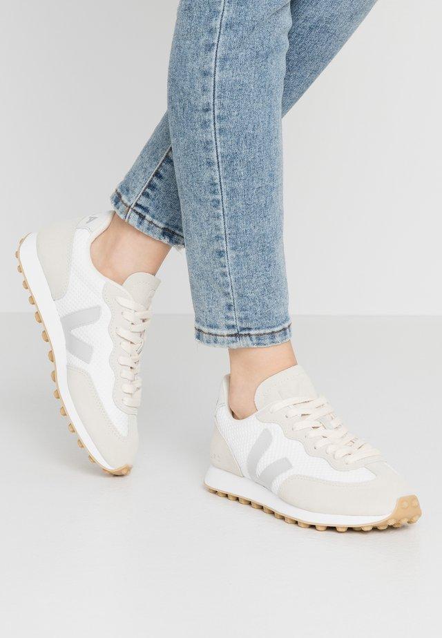 RIO BRANCO - Sneakersy niskie - arctic/pierre